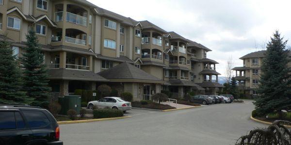 Meadowbrook Condominiums